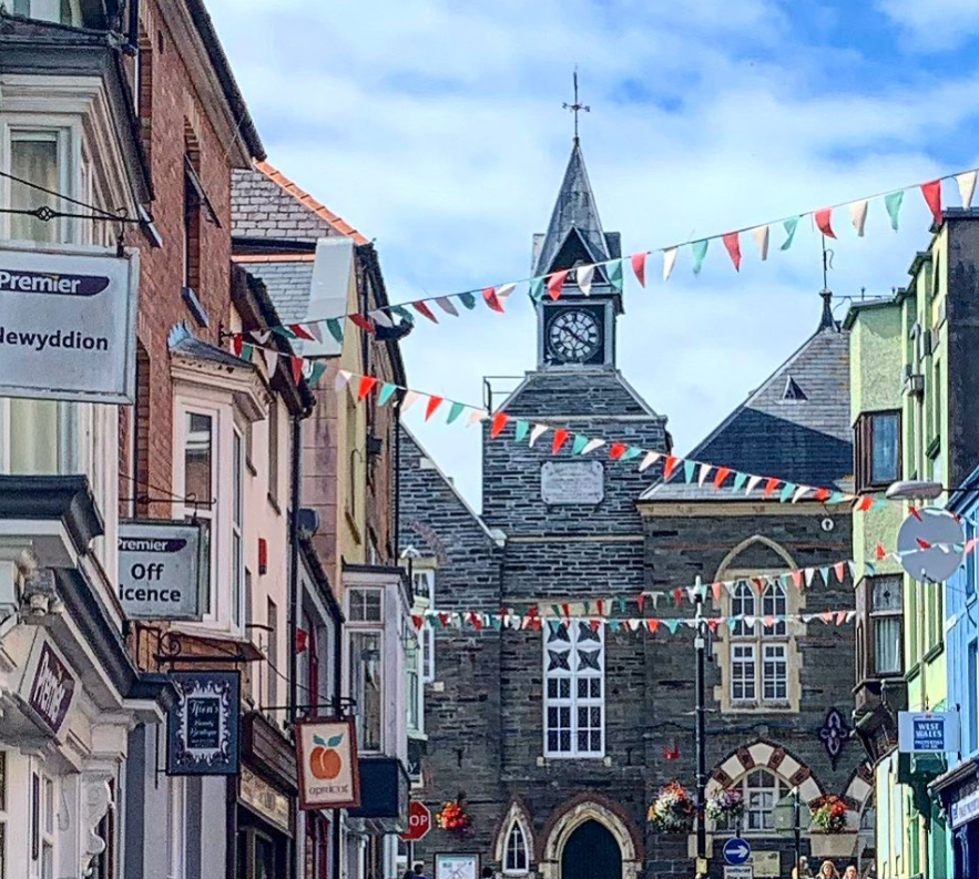 DAY OUT IN CARDIGAN